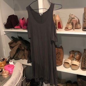 ❤️5 for $25❤️Cold shoulder shift tee shirt dress